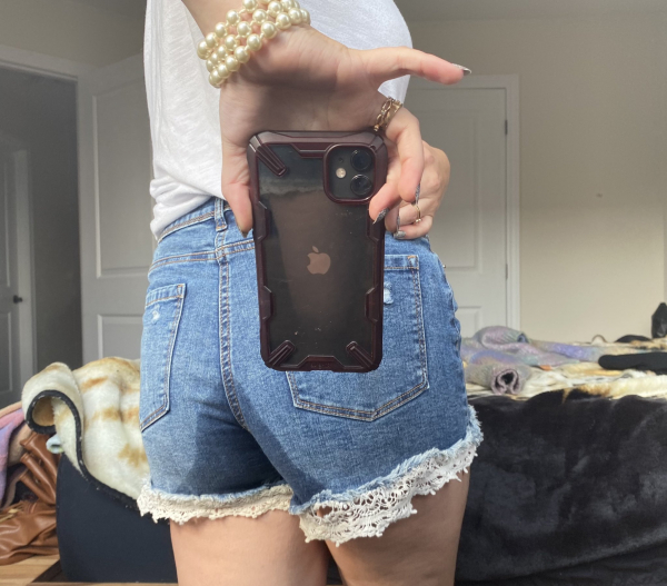 Jeans shorts wetting